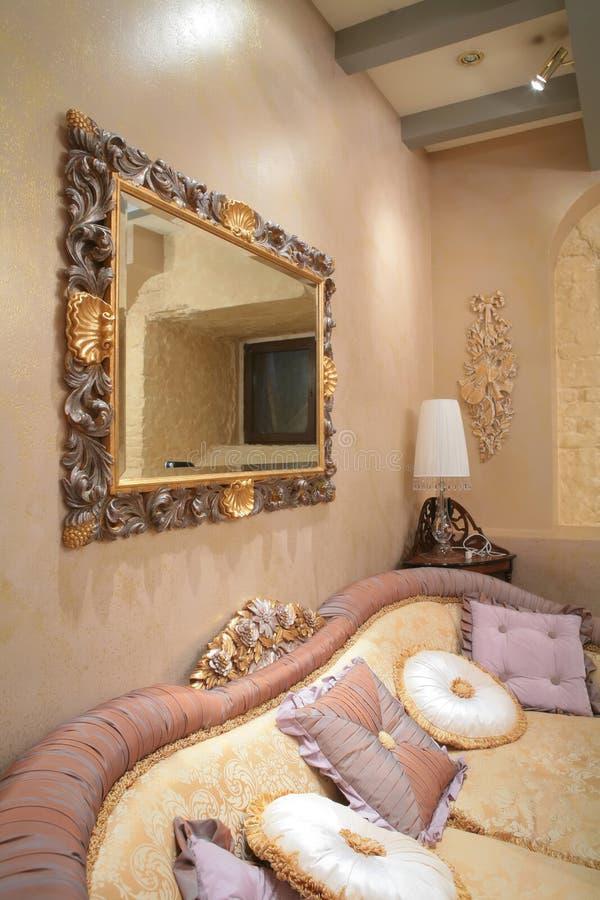 Fragment des luxuriösen Innenraums stockbilder