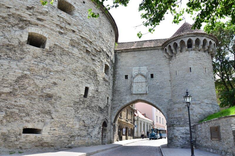 Fragment des Turms fette Margaret mit einer angrenzenden Festungswand stockfoto