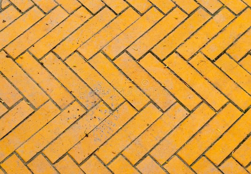 Fragment starej, żółtej drogi z cegły zdjęcie royalty free