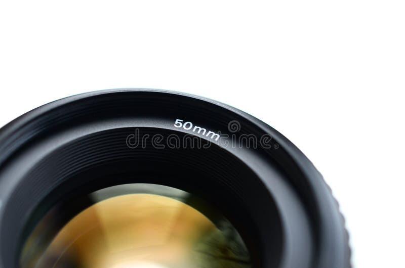 Fragment van een portretlens voor een moderne SLR-camera Een foto van een breed-openingslens met een brandpunts geïsoleerde lengt stock foto's