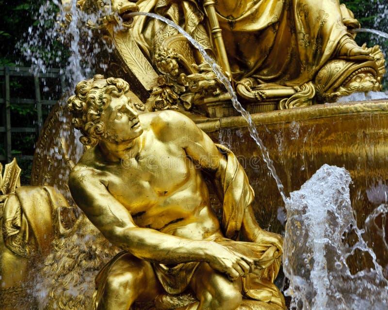 Fragment van fontein in park van Versailles royalty-vrije stock afbeeldingen