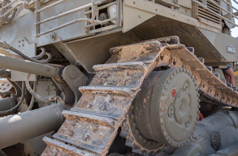 Fragment van militaire die bulldozer bij Gepantserd de Korpsenmuseum van Latrun wordt voorgesteld stock afbeelding