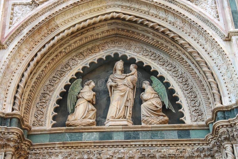 Fragment van voorgevel Duomo Santa Maria del Fiore, Florence stock afbeelding
