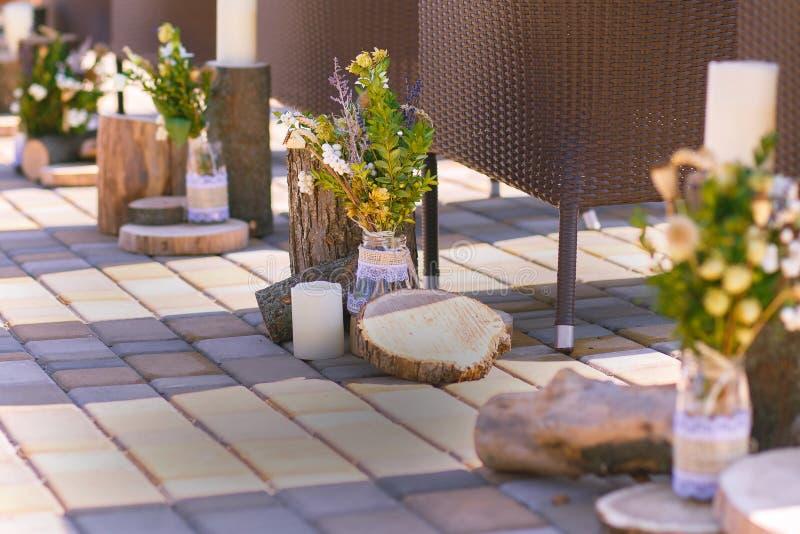 Fragment, zoals een mening van het mooie decor, klaar voor de huwelijksceremonie stock fotografie