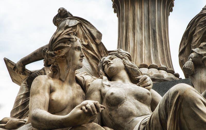 Fragmente der Pallas Athena-Göttin des Klugheitsbrunnens, stockbilder