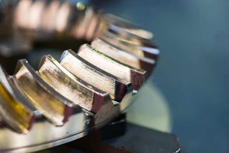 Fragmentet med sporrar kugghjulöverföringen royaltyfri fotografi