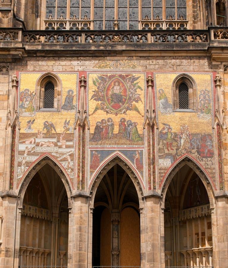 Fragmento da catedral do St. Vitus (Praga) imagens de stock royalty free