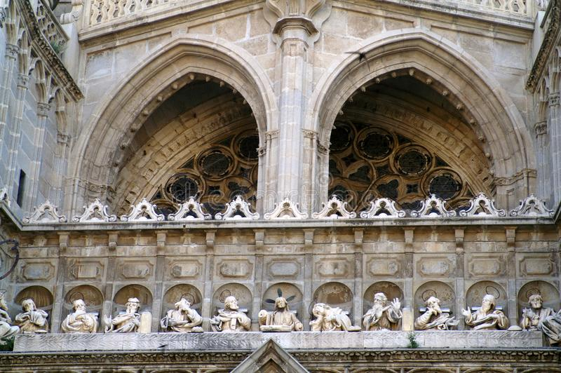 Fragmento de la decoración de la catedral católica en España foto de archivo libre de regalías
