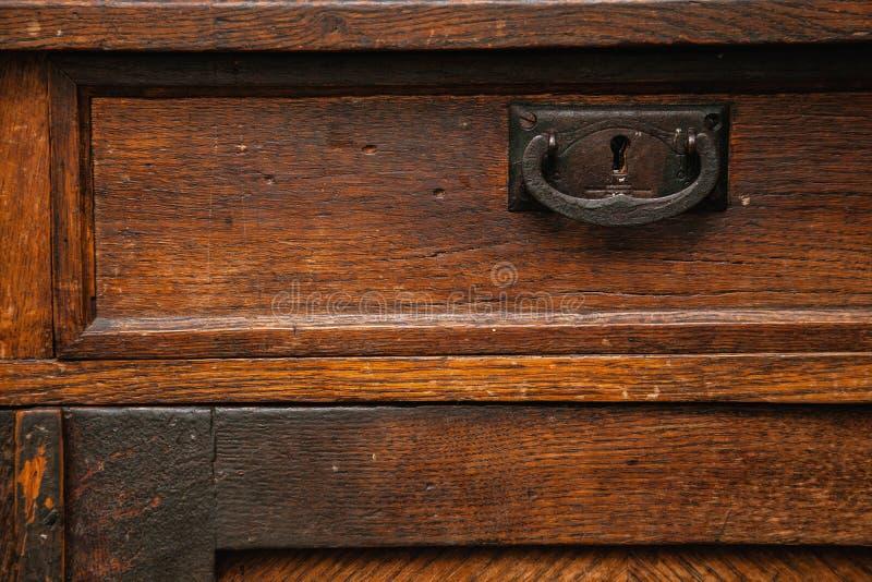 Fragmento de los muebles antiguos Superficie de madera del vintage fondo del grunge, vieja textura áspera imagen de archivo