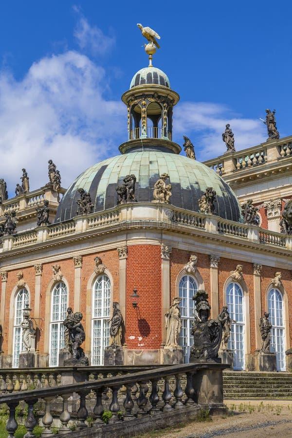 Fragmento de um palácio novo fotografia de stock royalty free