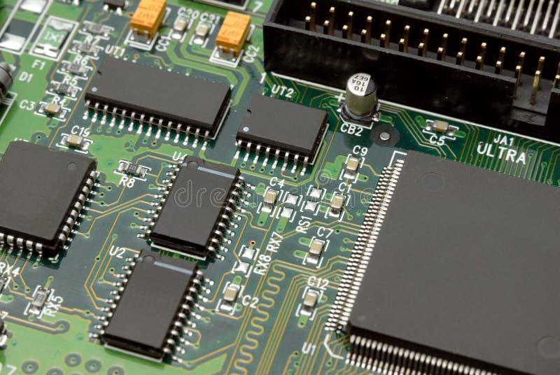 Fragmento de uma imprimir-circuito-placa do computador imagens de stock