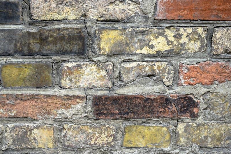 Fragmento de una pared de ladrillo vieja La textura del ladrillo imágenes de archivo libres de regalías