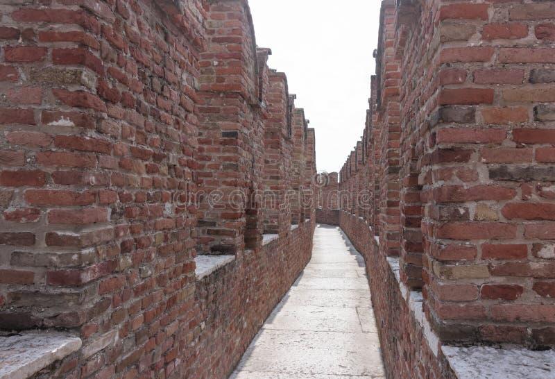 Fragmento del castillo de Castelvecchio de la pared de la fortaleza en Verona Él fotografía de archivo libre de regalías