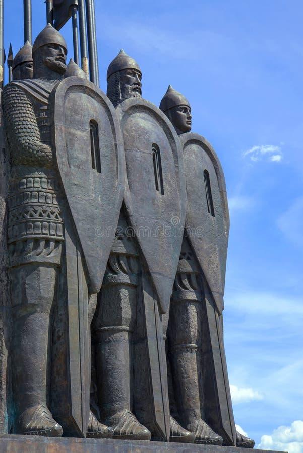 Fragmento del monumento 'matanza del hielo 'en el soporte de Sokolikha imagenes de archivo