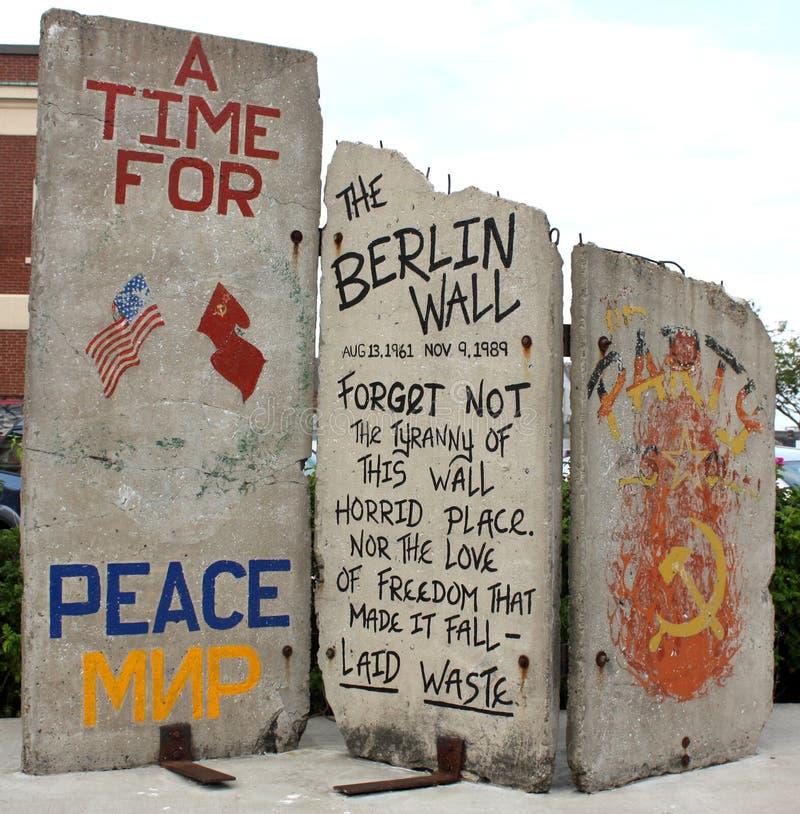 Fragmento del muro de Berlín foto de archivo