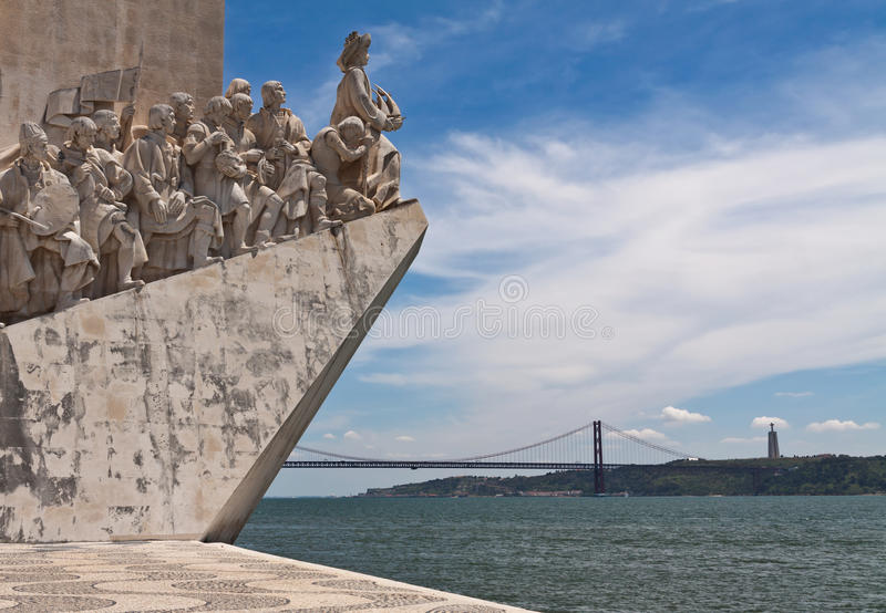 Fragmento do monumento às descobertas, Lisboa fotografia de stock
