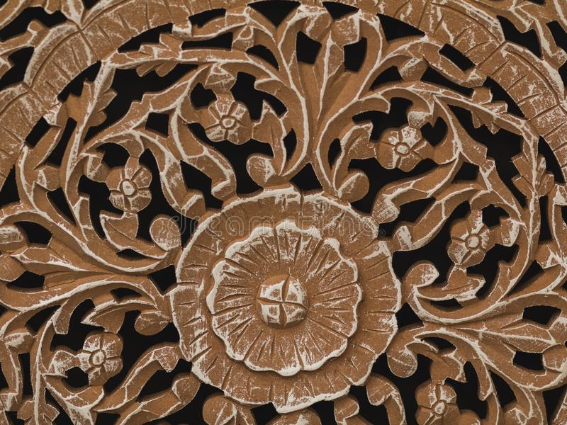 Fragmento textured de madeira decorativo da decoração interior Carv imagem de stock
