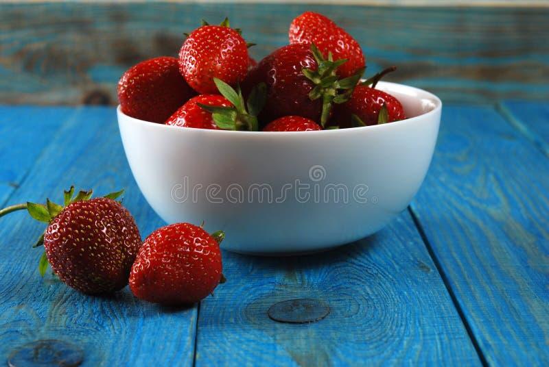 Fragole mature rosse fotografia stock