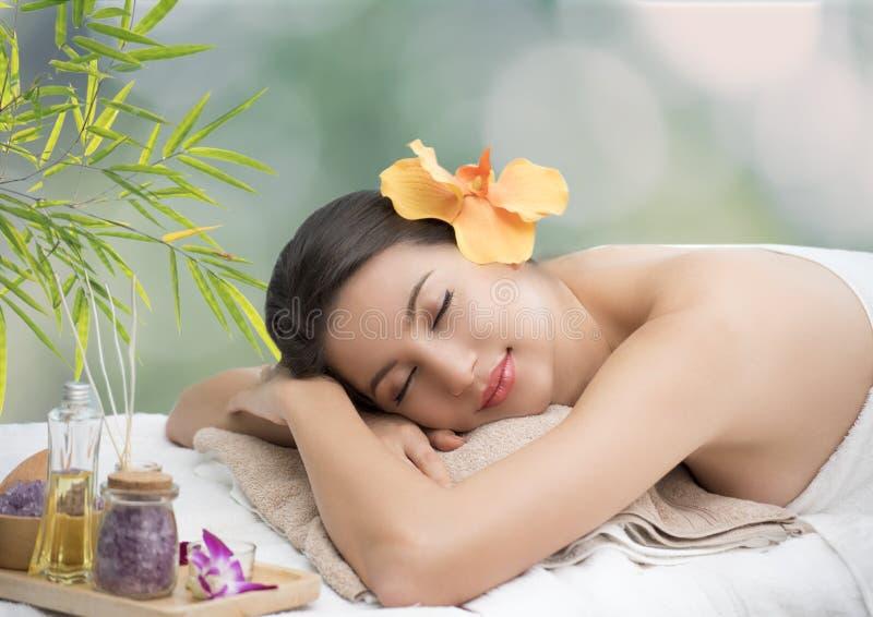 Frais propre de belle de femme peau parfaite de station thermale Concept de beauté photo libre de droits