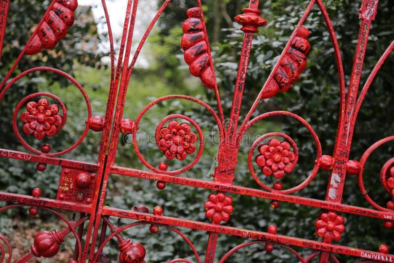 Fraise Fields porte rouge à Liverpool, Royaume-Uni images stock