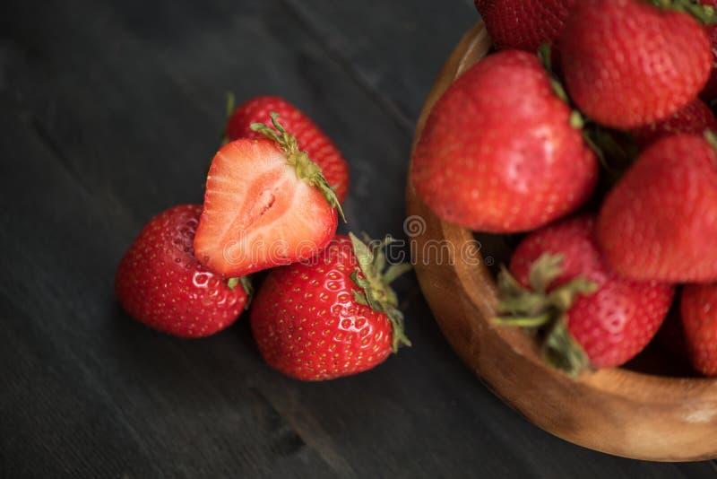 Download Fraise mûre fraîche photo stock. Image du moisson, délicieux - 77151912