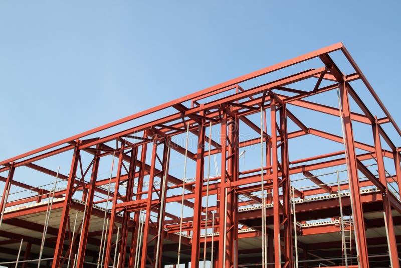 Fram de aço vermelho do edifício imagem de stock