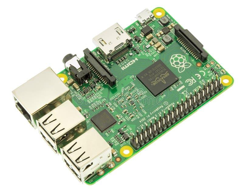 Framboos Pi 2 ModeldieB Board op wit wordt geïsoleerd stock foto's