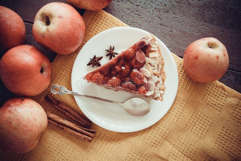Frambozencake en appelen royalty-vrije stock foto's