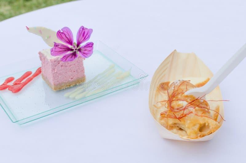 Frambozenkaastaart, koekjes stock afbeeldingen