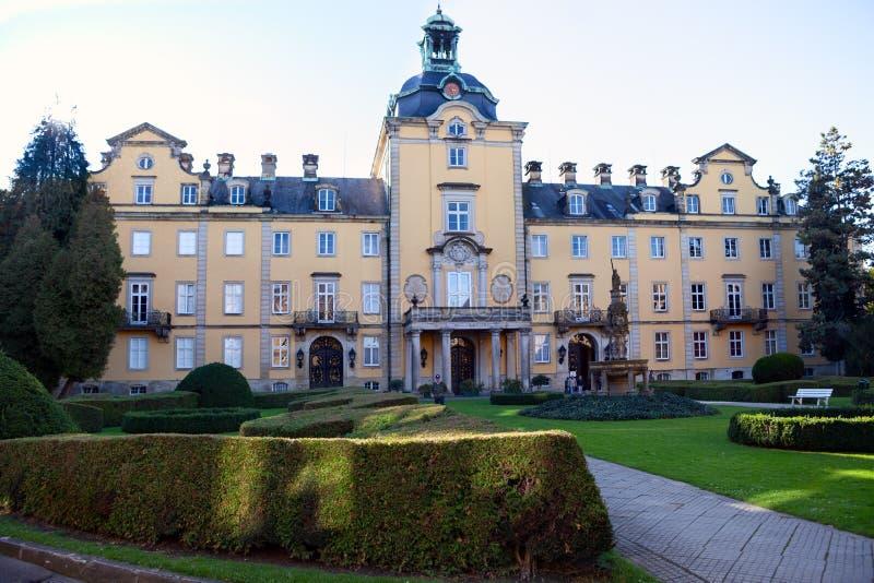 Framdel av den Buckeburg slotten i lägre Sachsen, Tyskland royaltyfri fotografi