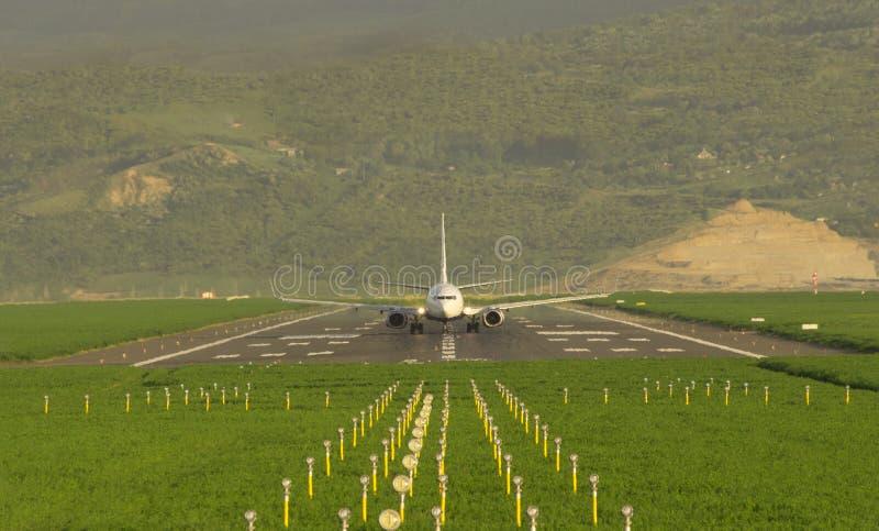 Framdel av flygplanet som är klar för start arkivbilder