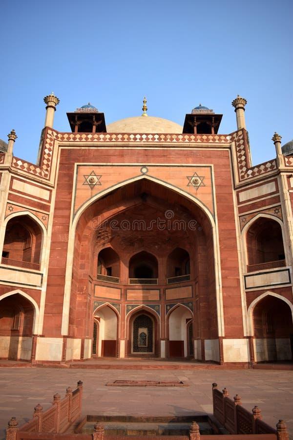 Framdel av Humayuns gravvalv i staden av Delhi royaltyfria foton