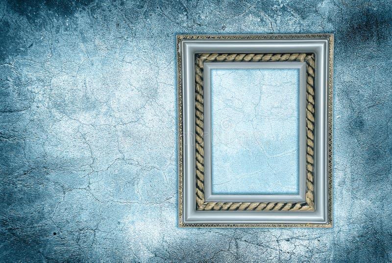 Frame da antiguidade em uma parede congelada imagens de stock