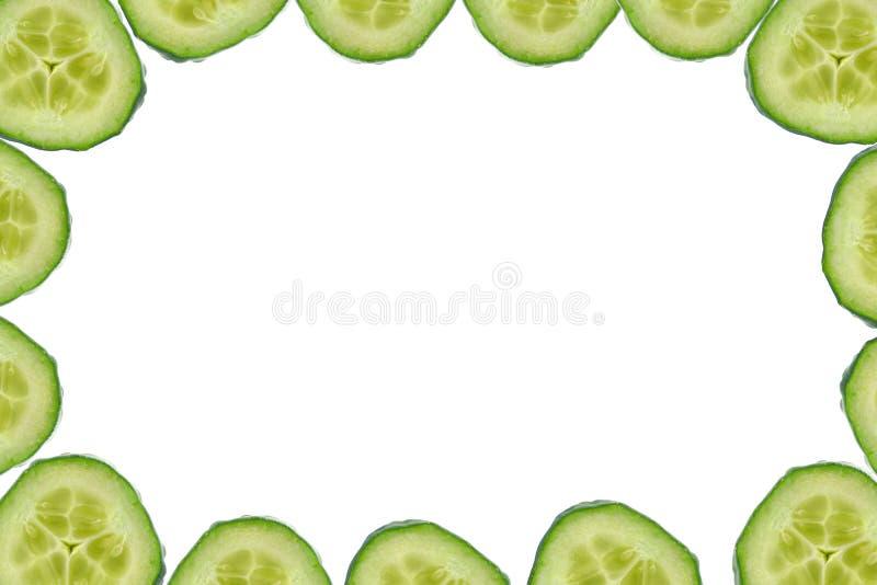 Frame de alta resolução feito de fatias do pepino imagem de stock