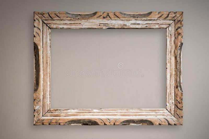 Frame de retrato do vintage na parede, trajeto de grampeamento. fotos de stock royalty free