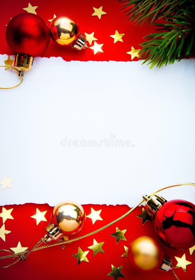 Frame do Natal da arte com papel no fundo vermelho imagens de stock