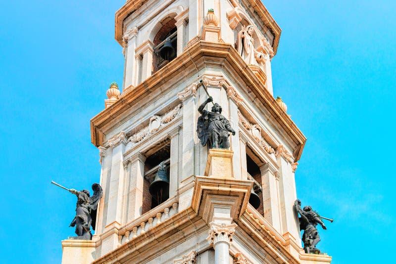 Frament van Toren van Heiligdom van Virgin van Rozentuin Pompei stock foto