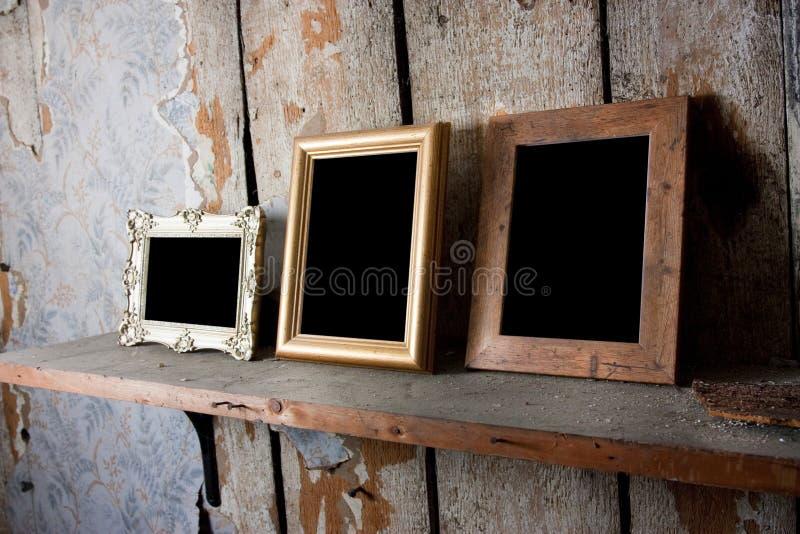 Download Frames de retrato imagem de stock. Imagem de quarto, vazio - 16871893