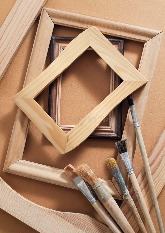 Framesin de madeira velho do retrato um estúdio fotos de stock