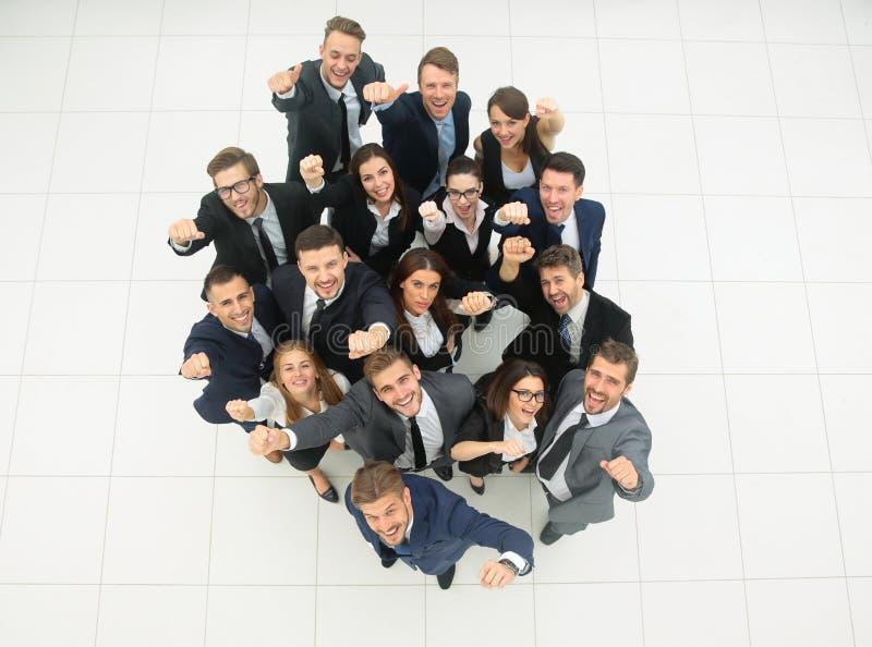 framgång för resultat för affärsmanbegreppsgraf talrikt triumferande affärslag arkivfoto