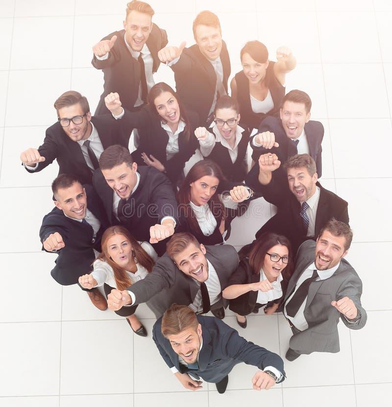 framgång för resultat för affärsmanbegreppsgraf talrikt triumferande affärslag royaltyfri bild