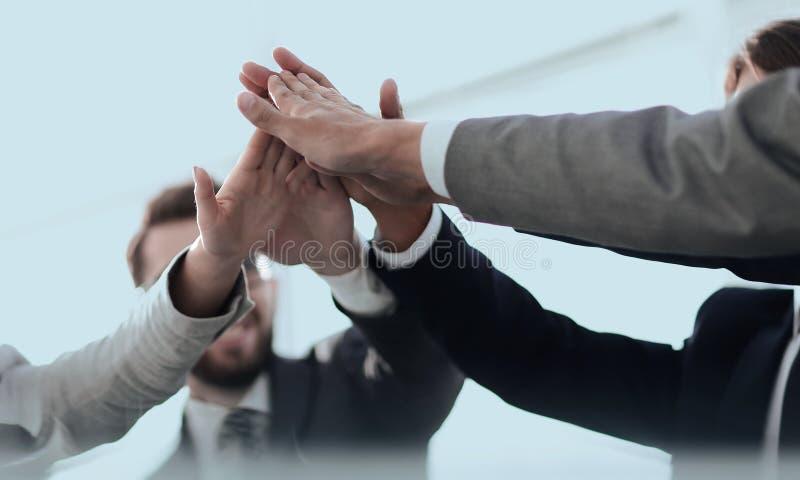 Framgång och seger Begreppet av teamwork arkivfoton