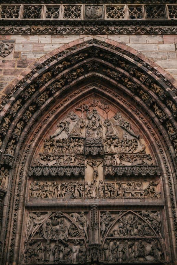 Frammento dell'esterno di più vecchia chiesa della st Lorenz, uno dei medievali più significative e più bel fotografia stock libera da diritti