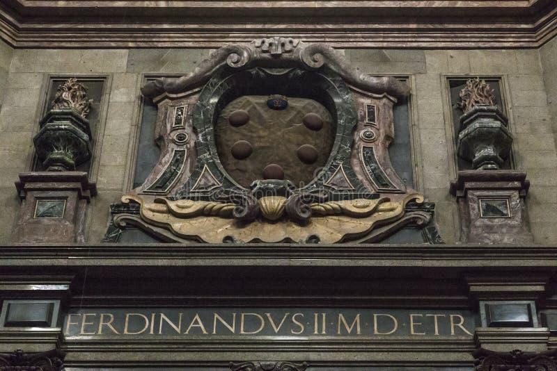 Frammento dell'interno della cappella di principi nella basilica di San Lorenzo, Firenze fotografie stock libere da diritti