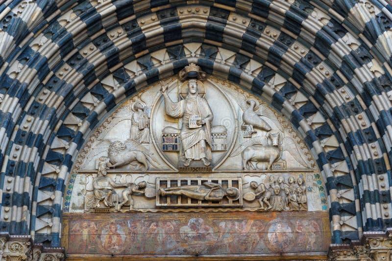 Frammento della cattedrale di Saint Lawrence a Genova L'Italia fotografia stock libera da diritti