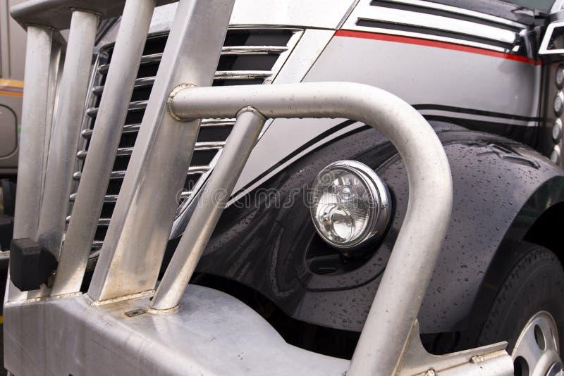 Frammento della parte anteriore del camion di sem immagini stock libere da diritti