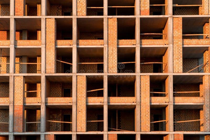 Frammento di una costruzione di mattone sul cantiere immagine stock libera da diritti