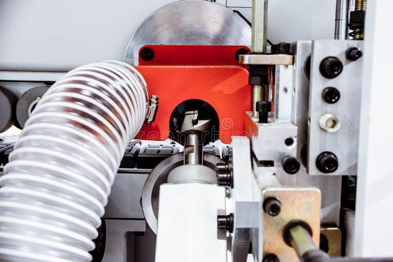 Frammento di una trecciatrice del bordo immagine stock