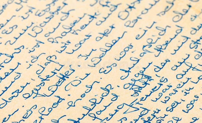 Frammento di vecchia lettera scritta a mano, scritto in tedesco fotografia stock libera da diritti