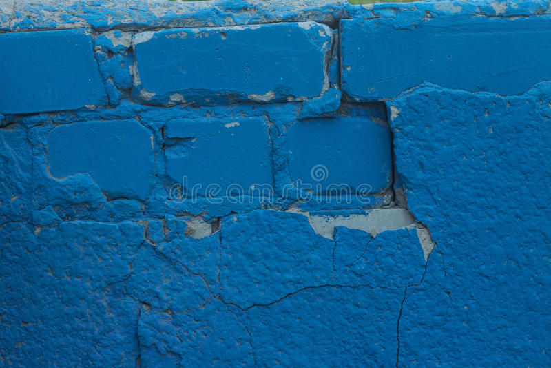 Frammento di vecchio fondo blu della parete del gesso immagine stock